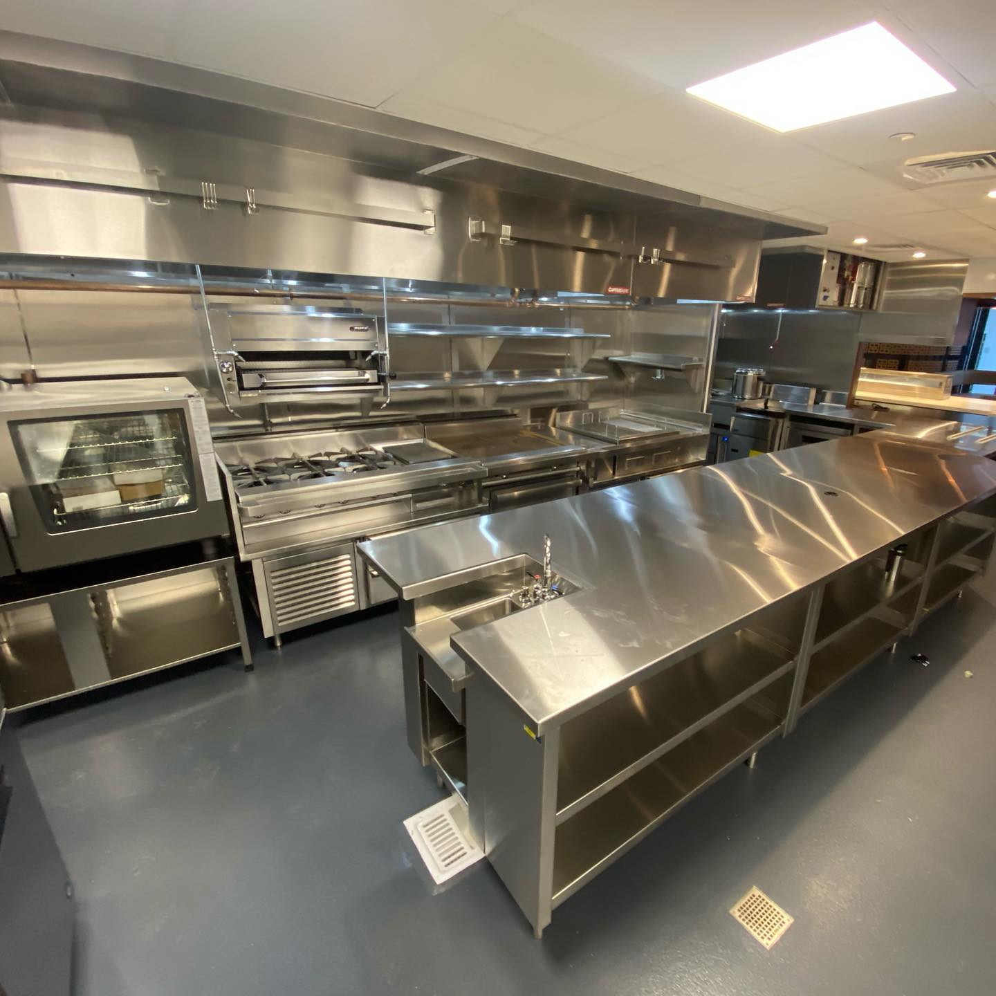 Commercial Kitchen And Bar Fabrication